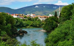 Potpišu brzo, zaborave još brže - Bosna raj na zemlji, ali samo na papiru